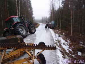 Traktorer i diken