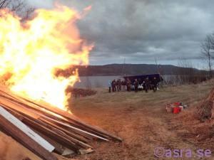 Elden är ett skådespel