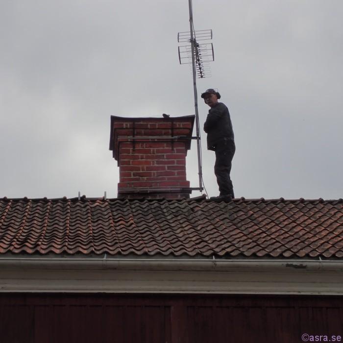 Jag kräver höghöjdstillägg  om jag ska fixa TV-antennen / Ulf. ;)
