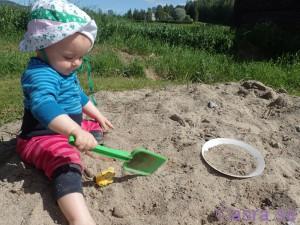 Heidi i sandlådan